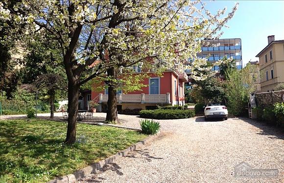 Villa Ornella, Six (+) chambres (42220), 023