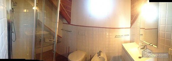 Villa Il Grotto, Trois chambres (24270), 024