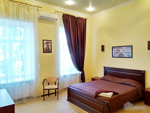 Зручні апартаменти, 1-кімнатна (15939), 002
