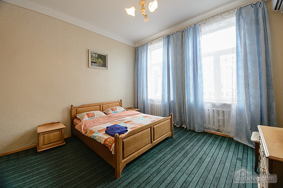 Center Apartment with 3 separate rooms Arena Gulliver Palace of Sports Bessarabskyi market, Dreizimmerwohnung (83369), 010
