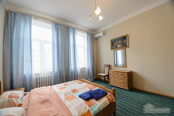 Center Apartment with 3 separate rooms Arena Gulliver Palace of Sports Bessarabskyi market, Dreizimmerwohnung (83369), 008