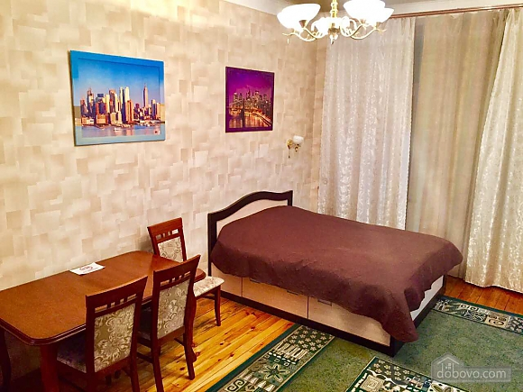 Center Apartment with 3 separate rooms Arena Gulliver Palace of Sports Bessarabskyi market, Dreizimmerwohnung (83369), 001
