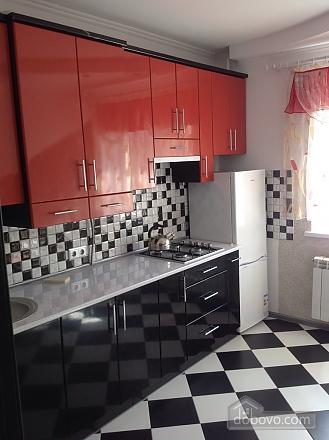 Красивая квартира рядом с бюветом, 2х-комнатная (86143), 002