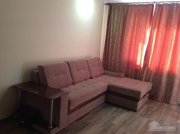 Красивая квартира рядом с бюветом, 2х-комнатная (86143), 001