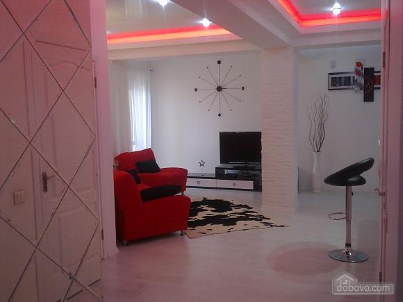 Шикарна квартира в новому будинку, 3-кімнатна (89393), 002