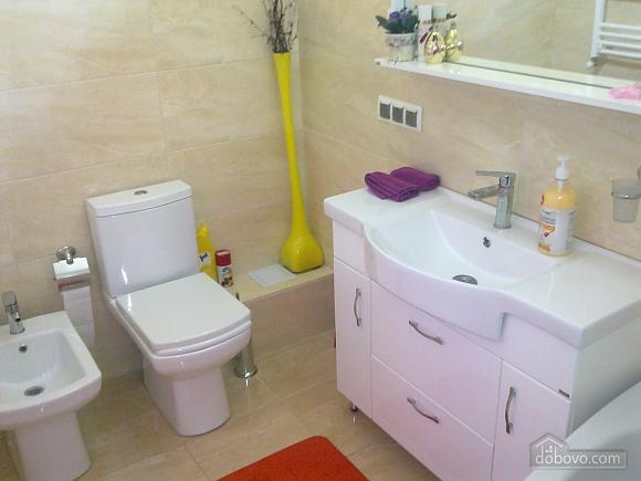 Шикарна квартира в новому будинку, 3-кімнатна (89393), 018
