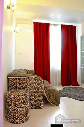 Шикарна квартира в новому будинку, 3-кімнатна (89393), 020