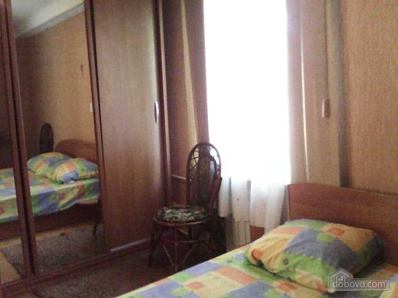Квартира біля Дружби Народів, 1-кімнатна (79182), 001