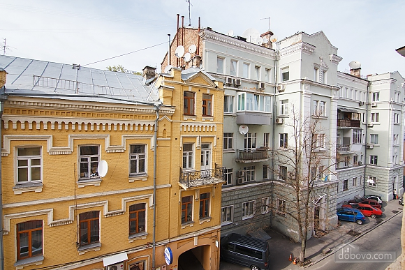 Apartment in the center of Kyiv, One Bedroom (72820), 005