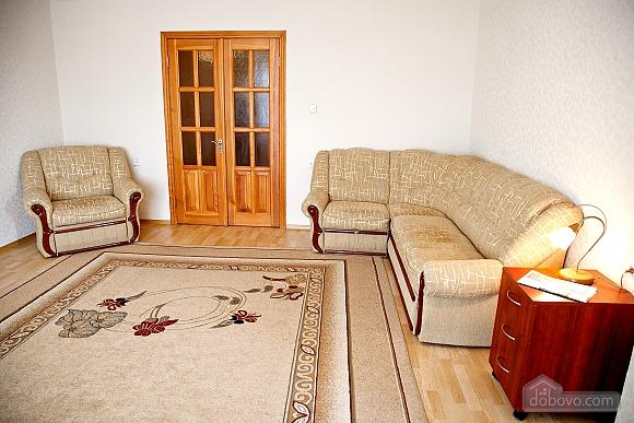 Простора двокімнатна квартира біля метро Харківська, 2-кімнатна (79743), 003
