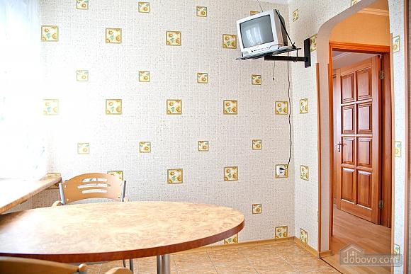 Простора двокімнатна квартира біля метро Харківська, 2-кімнатна (79743), 006