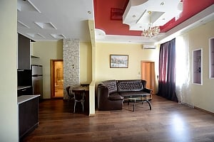 Luxury apartment in palace style with Jacuzzi in two steps from Khreschatyk, Due Camere, 003