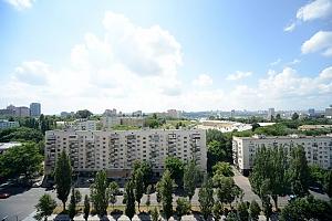 Вражаючий вид на місто з висоти 15 поверху з особистою терасою в 5 хвилинах від Gulliver і Arena City, 2-кімнатна, 021