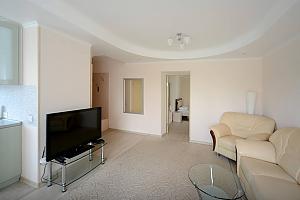 Светлые уютные апартаменты итальянская кожаная мебель недалеко от Arena city и Mandarin Plaza, 2х-комнатная, 004