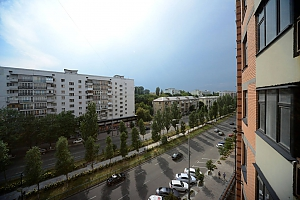 Светлые уютные апартаменты итальянская кожаная мебель недалеко от Arena city и Mandarin Plaza, 2х-комнатная, 019