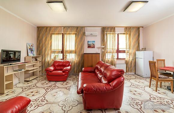 Classy Impressive Red Italian Beaty, 2х-комнатная (59793), 003