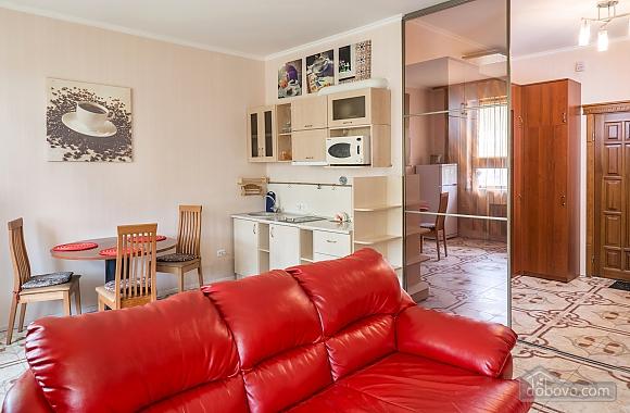 Classy Impressive Red Italian Beaty, 2х-комнатная (59793), 012
