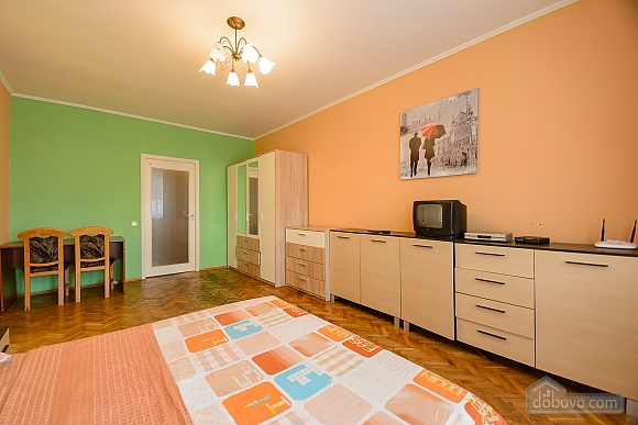 Center Olympiiskyi stadium Apartment with 2 separate bedrooms, Zweizimmerwohnung (10313), 012