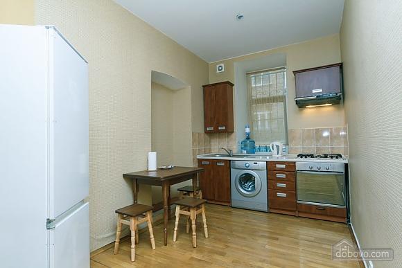 Apartment near Zoloti Vorota, One Bedroom (37648), 005