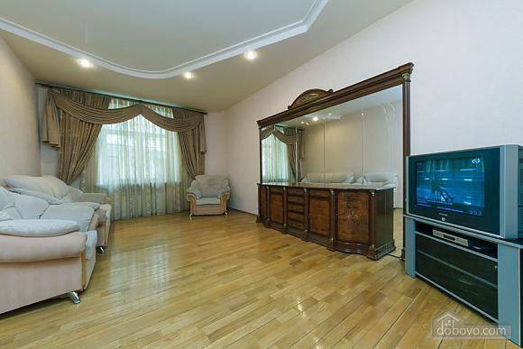 Apartment near Zoloti Vorota, One Bedroom (37648), 006