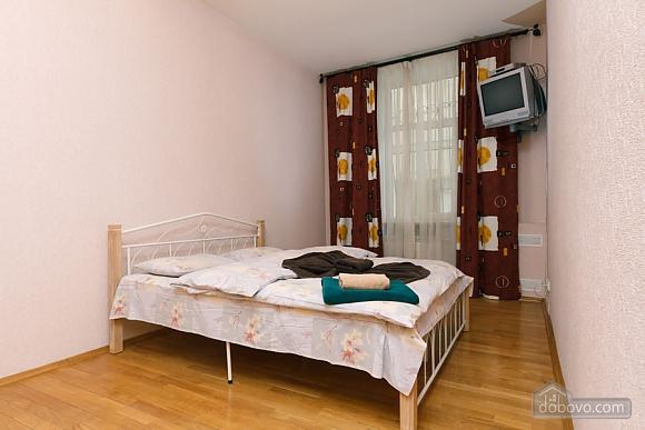 Apartment near Zoloti Vorota, One Bedroom (37648), 001