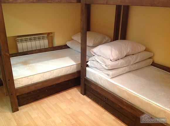 Good Dreams, Six (+) Bedroom (87908), 007