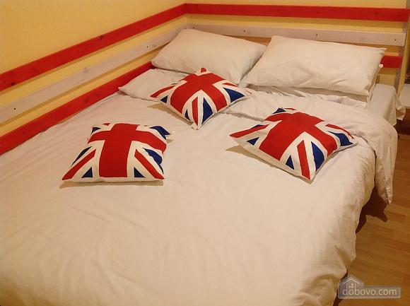 Good Dreams, Six (+) Bedroom (87908), 013