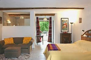 Montpellier - Le Domaine Joli, Trois chambres, 001