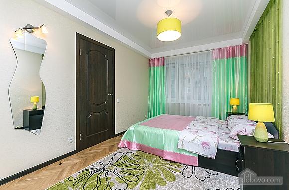 Метро Дворец Украины, 2х-комнатная (94110), 004