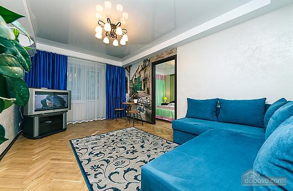 Метро Дворец Украины, 2х-комнатная (94110), 008