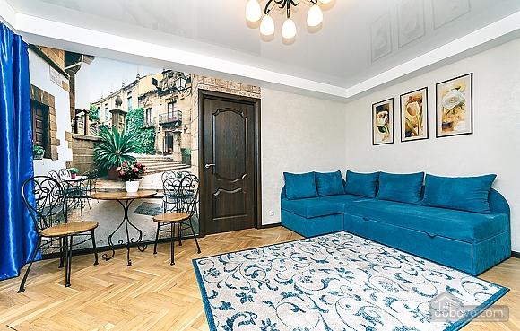 Palats Ukrayiny station, Un chambre (94110), 010