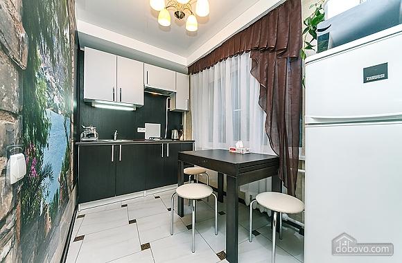 Palats Ukrayiny station, Un chambre (94110), 014