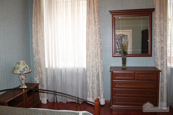 Apartment in the center near the Shevchenko park and Lidersivsky boulevard, Monolocale (95168), 002