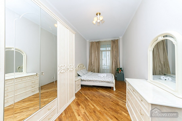 Apartment on Maidan in historical house, One Bedroom (76882), 007