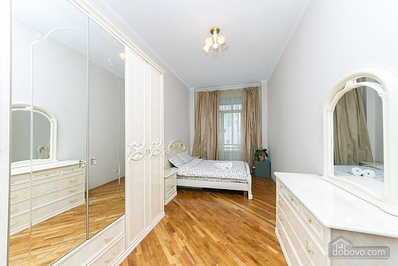 Apartment on Maidan in historical house, Zweizimmerwohnung (76882), 007