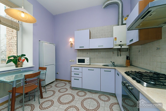 Apartment on Maidan in historical house, Zweizimmerwohnung (76882), 014