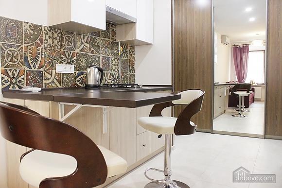 Апартаменти на площі Ринок, 2-кімнатна (73311), 001
