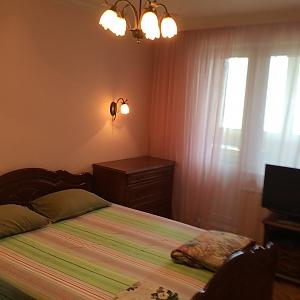 Квартира в Москве, 3х-комнатная, 002