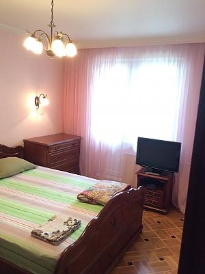 Квартира в Москве, 3х-комнатная, 001