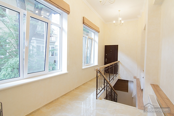 Luxury apartment near to Deribasivska, Studio (30876), 009