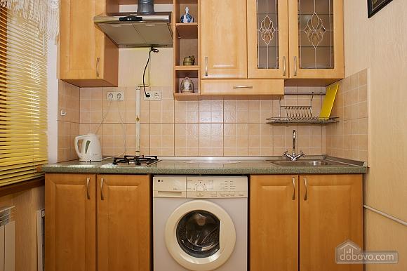 Уютные апартаменты в центре, 3х-комнатная (99360), 007
