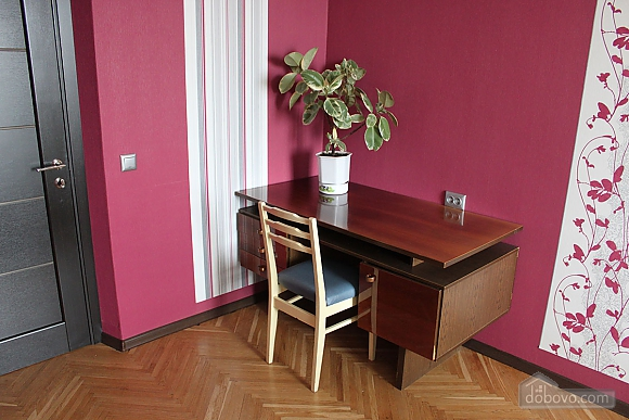 Spacious two bedroom apartment on Pechersk, Two Bedroom (35613), 002
