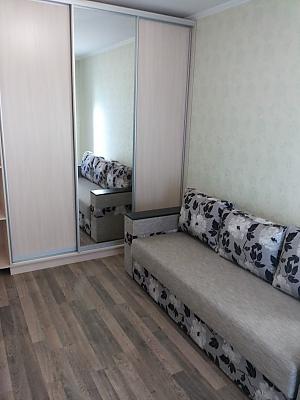 Apartment in new building Vasylkivska station Exhibition center, Una Camera, 003