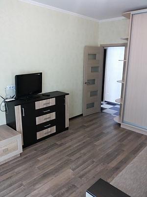 Apartment in new building Vasylkivska station Exhibition center, Una Camera, 004