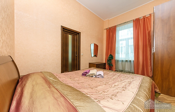 The apartment next to the hotel Premier Palace, One Bedroom (73580), 006