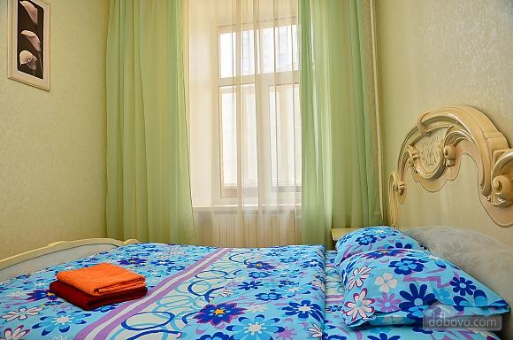 Квартира возле метро Олимпийская, 2х-комнатная (32939), 003