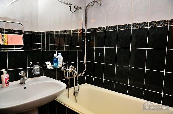 Квартира возле метро Олимпийская, 2х-комнатная (32939), 005