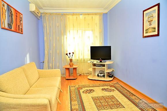 Квартира недалеко от улицы Крещатик, 2х-комнатная (81887), 002