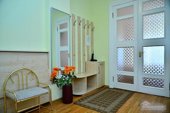 Квартира недалеко от улицы Крещатик, 2х-комнатная (81887), 008