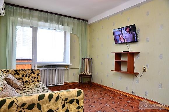 Квартира возле стадиона Олимпийский, 2х-комнатная (33176), 004